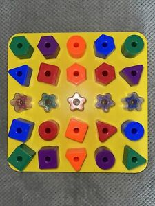 Discovery Toys Giant PEG BOARD PEGS Colors Preschool