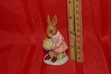 Vintage Royal Doulton Figurine Buntie Bunnykins Helping Mother Db 2 Made in Uk