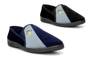 Mens Carpet Slippers Mens Slippers Mens Slip On Slippers Lion Motif Navy Black
