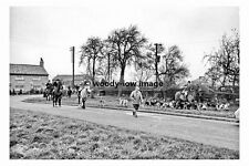 pt8109 - Busby Stoop Inn nr Thirsk Bedale Hunt , Yorkshire 1956 - photograph 6x4