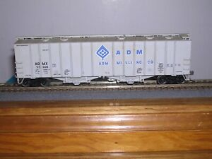 WALTHERS #932-36??  A.D.M. 50' Airslide Covered Hopper Car #53008  1/87