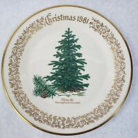 1981 Lenox Limited Christmas Commemorative Issue dinner plate - China Fir