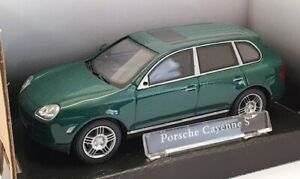 Cararama 1/43 Scale 230D - Porsche Cayenne S - Green