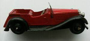 Dinky Meccano Die Cast Model Vehicle Red Sedan (Shop Ref D130)