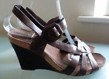 Clarks Ladies Sandals 5.5 Brown Leather Festival High Heel Wedges Summer