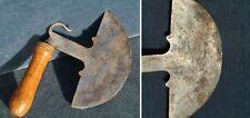 Handbeil aus Persien; vermutlich 17. Jhd.; Halbmond und Löwenschwanz