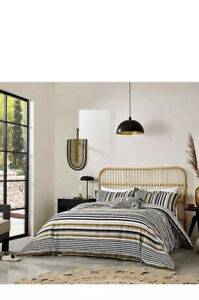 Harlequin  Rosita Duvet, King Size, With 2 Oxford Pillow Cases