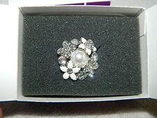 Gorgeous Lia Sophia Silvertone White Enamel & Rhinestone Flower Ring Size 8 IOB