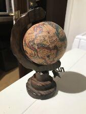 Olde World Globe sur bois stand .18 cm de hauteur.