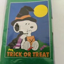 """1998 Peanuts Snoopy Halloween Trick Or Treat House Garden Flag 40"""" x 28"""" NEW"""