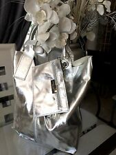 SUBLIME  CHIC SAC A MAIN FEMME EN CUIR VERITABLE TRES SOUPLE ARGENTER + TROUSSE