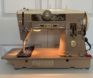 Vintage Singer 401A Sewing Machine Great Condition!  Sews beautifully!!!