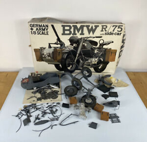 Bandai Model Kit - German Side Car B.M.W. R/75 - 1/8 Scale
