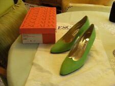 ESCADA new Italy Leather Suede Shoes  Pumps Womens 7 Light Lime Green Vitello