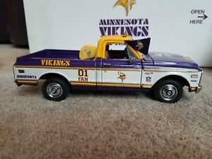 1999 Danbury Mint Minnesota Vikings 1972 Chevrolet Cheyenne Pickup Truck in Box