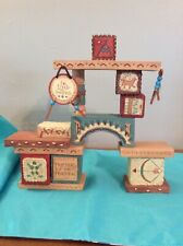 Friends Of The Feather~Display~Music Box