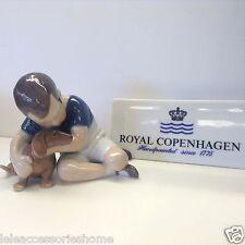 Royal Copenhague Autocollants no.1951 bébé avec Chien Bing & Grondahl