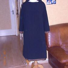 ROBE NOIRE AVEC GALONS DE PERLES VERRE ANN 60/70 - BLACK DRESS VINTAGE 60-70