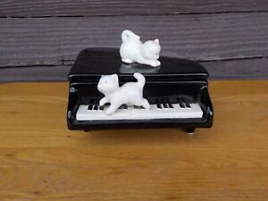 Vintage Omnibus Japan Ceramic Piano w/Two Kittens Trinket Box