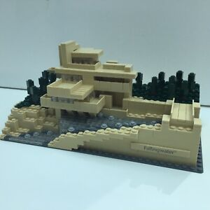 LEGO 21005 Architecture Fallingwater 21005. 100% complete.