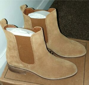 Special Offer! Warm and Comfy Boots- New never worn
