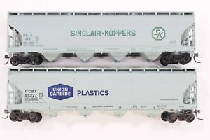HO Athearn Union Carbide / Sinclair-Koppers 54ft ACF Covered Hoppers *revised*