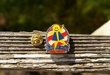 Wal-Mart Great Job! Smiley US Flag Metal & Enamel Employee Lapel Pin Pinback