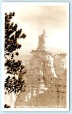 RPPC  BRYCE CANYON NATIONAL PARK, Utah QUEEN VICTORIA Rock Formation Postcard