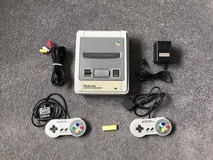 Super Famicom - (Japanese Super Nintendo) Model SHVC-001 + 2 Controllers #1