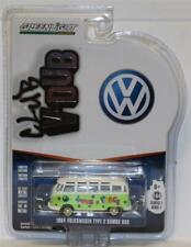 GREENLIGHT 1:64 Club V-Dub Series 7/C 1964 Volkswagen  Samba Bus G/W Peace Love