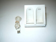 Wii / Wii U Blue Light Dual Charging Dock Station - Old Skool (WHITE)