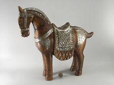 GRAND CHEVAL  en bois de teck et métal ciselé,  Inde, horse, Pferd, 40 cm