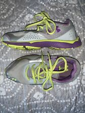Under Armour Girls Shoes Size 5.5