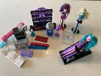 Monster High Dolls And Create-A-Monster CAM Color Me Creepy Doll & Furnit Lot