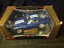 B Burago gold collection 1:18 diecast 1996 Dodge Viper GTS Coupe