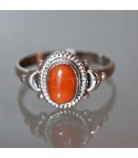 Coral en anillo de plata de ley