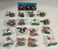 Lot: 18 Vintage Wildwest Kunststoff-Figuren + 3 Soldaten m. Pferd / Steckfiguren