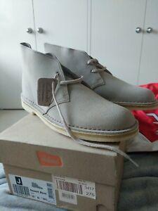 Clarks desert boots men's size 10 tan
