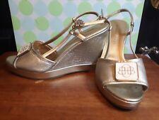 Dana Buchman Amalfi Metallic Gold Wedges Slingback Wedge Heels Sandals Logo 8 M