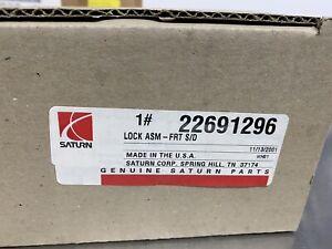 Saturn GM OEM 01-02 LW200 Front Door-Lock Latch Kit 22691296 NEW