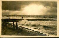 uralte AK, Meer, Mole, Wellenbrecher am Strand von Norderney?