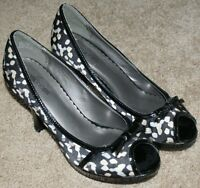 Maurices Open Toe Career Heels Shoes Black White Fabric Womens Size 7M