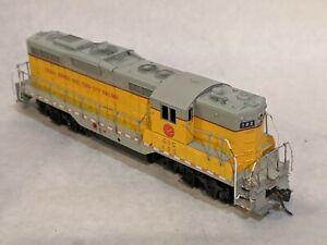 Boxkar Hobbies Custom Painted Athearn GP9 CRANDIC CIC 102 Cedar Rapids Iowa City