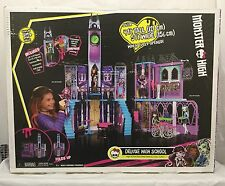 Brand New Monster High Deluxe School Doll House 4ft Tall 5ft Wide Play Toy Set