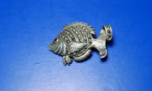 .925 Silver Pin Fish With Onyx Stones