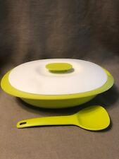 Tupperware Microwave 7 Cup Serving Dish Bowl Container Serving Spoon