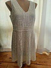 Crossroads Lined WHITE floral LAce over V neck Party DRESS size 16 NEW
