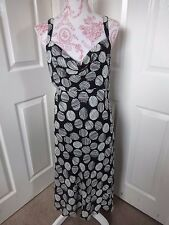 #R28 - Black & White Cocktail Dress From Pearce Fionda - Size 16