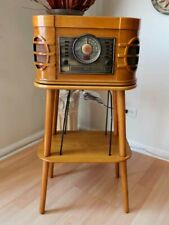 CROSLEY    CD / Record / Cassette Player / Radio  With Stand