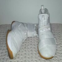 Nike LeBron Soldier 10 strive for greatness White gum 844378-101 men size 11.5